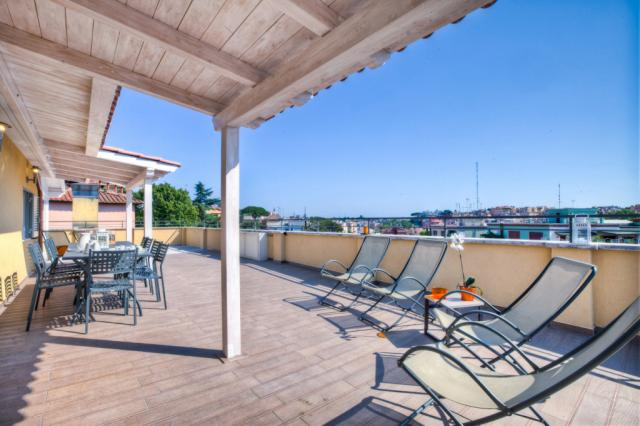 Large Terrace 160 apartment Rome